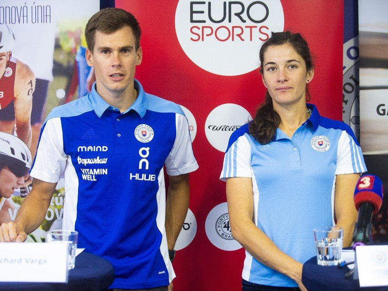 Na snímke reprezentanti SR v triatlone Richard Varga a Romana Gajdošová