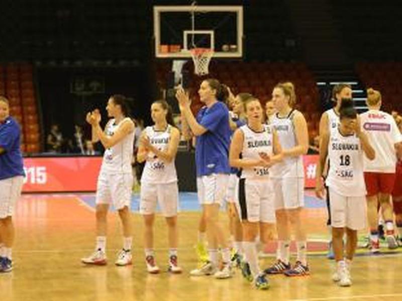 Sklamané slovenské basketbalistky po nešťastnej prehre so Srbskom