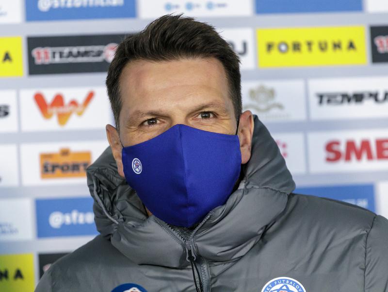 Na snímke tréner slovenskej futbalovej reprezentácie Štefan Tarkovič