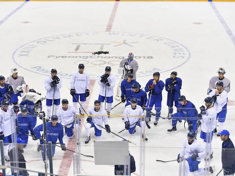 Tréning slovenských hokejistov pred prvým zápasom proti tímu Olympijských športovcov z Ruska
