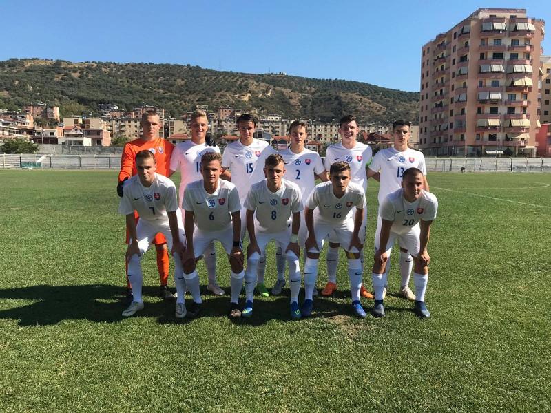 Na snímke slovenská futbalová reprezentácia do 19 rokov