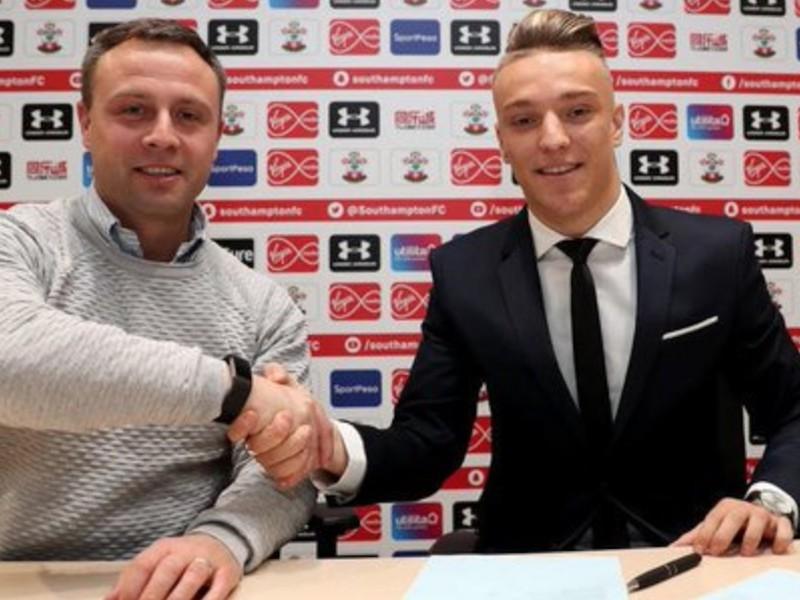 Kozák podpísal v Southamptone prvý profesionálny kontrakt