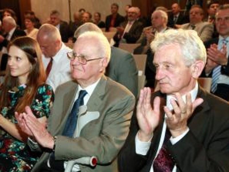 Danka Barteková, Vladimír Černušák a František Chmelár počas 45. valného zhromaždenia SOV