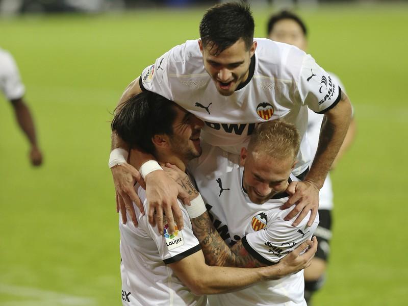 Carlos Soler a jeho gólové oslavy so spoluhráčmi