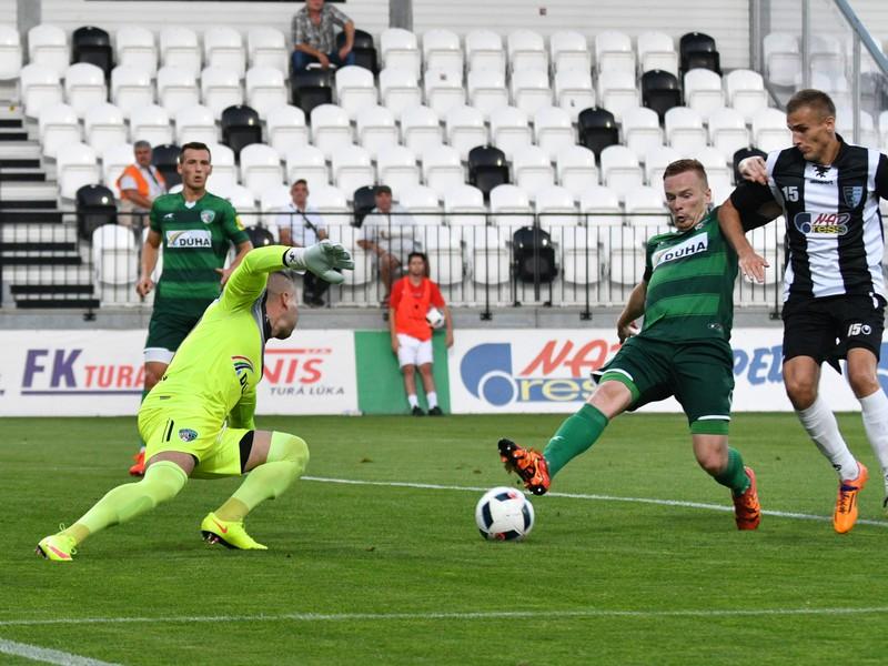 Jozef Talian, Ján Dzurík obaja z 1. FC Tatran Prešov a Roman Sabler zo Spartaka Myjava