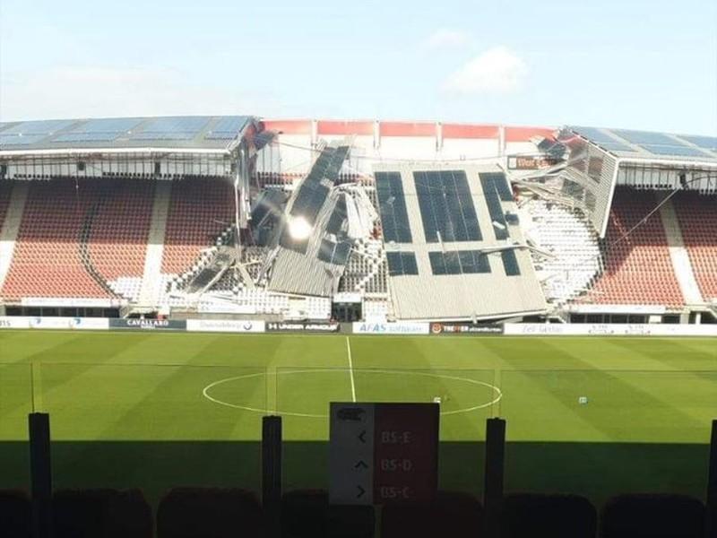 Na štadióne AZ Alkmaar spadla časť strechy