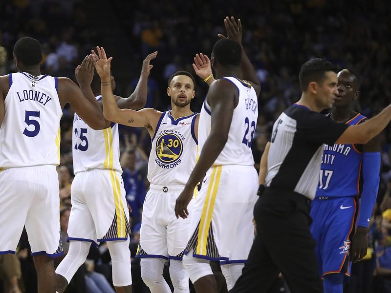 Stephen Curry so spoluhráčmi z Golden State Warriors
