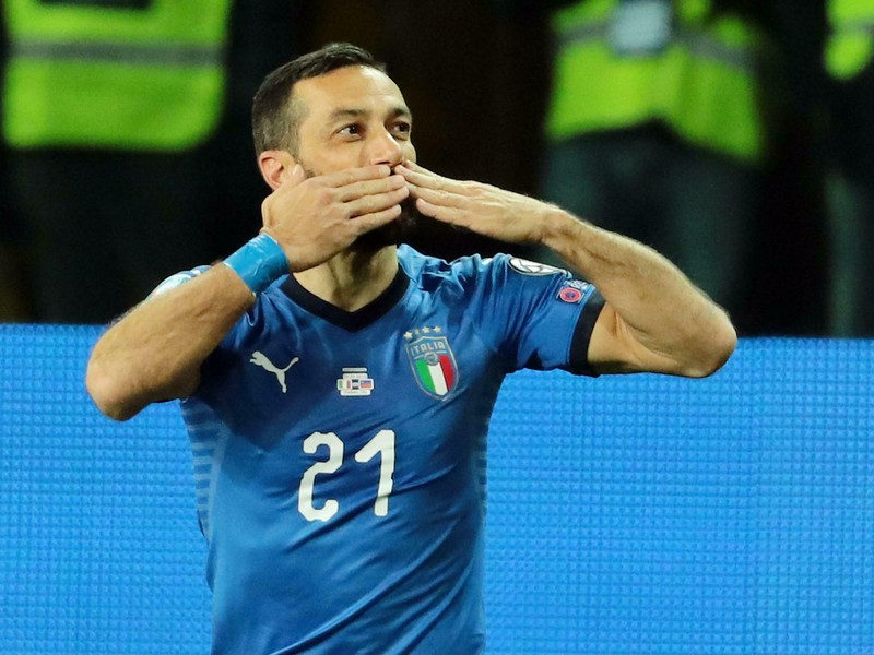Talian Fabio Quagliarella oslavuje gól