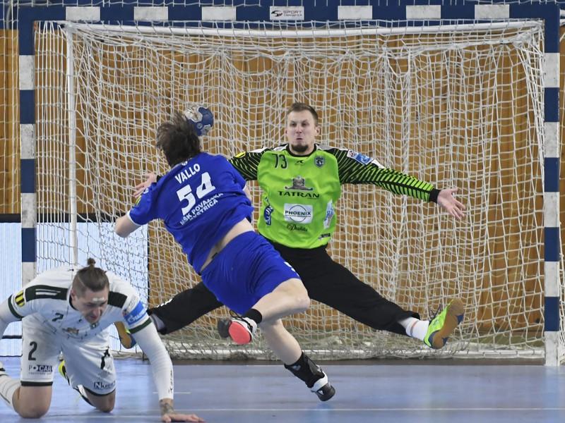 Na snímke v zelenom brankár Prešova Igor Čuprina vo finálovom  zápase Final Four Slovenského pohára