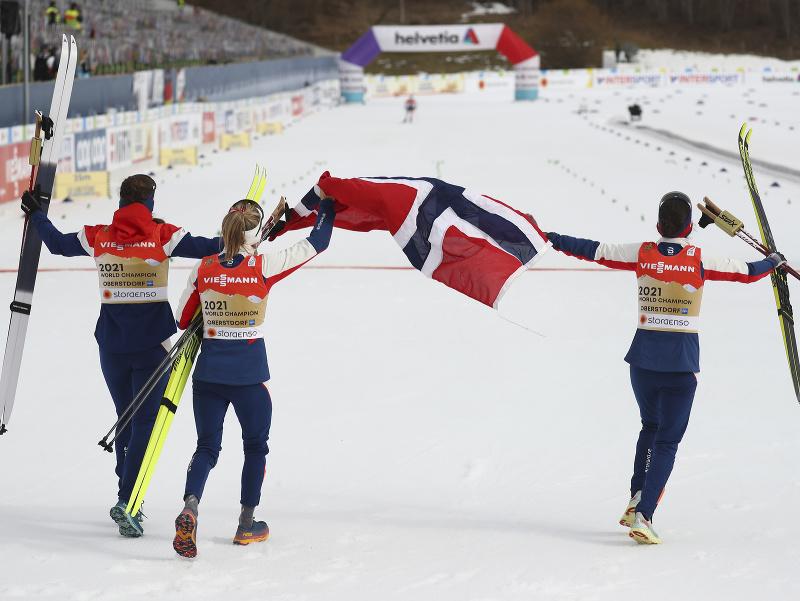 Nórske reprezentantky sa radujú zo zisku zlata