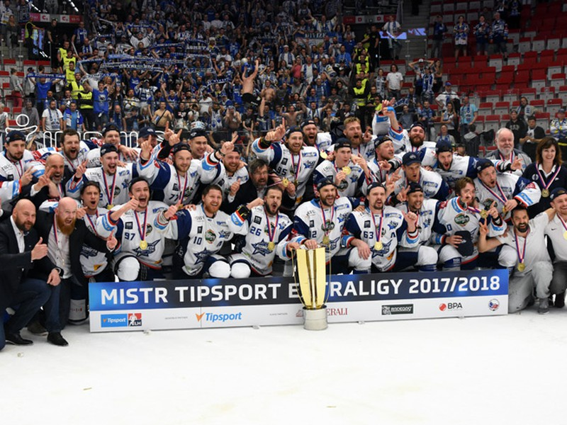 Hokejisti Komety Brno obhájili titul v českej extralige.