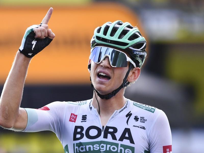 Lennard Kämna zvíťazil v utorňajšej 16. etape 107. ročníka cyklistických pretekov Tour de France
