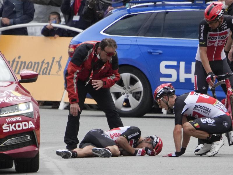 Caleb Ewan po páde v tretej etape Tour de France