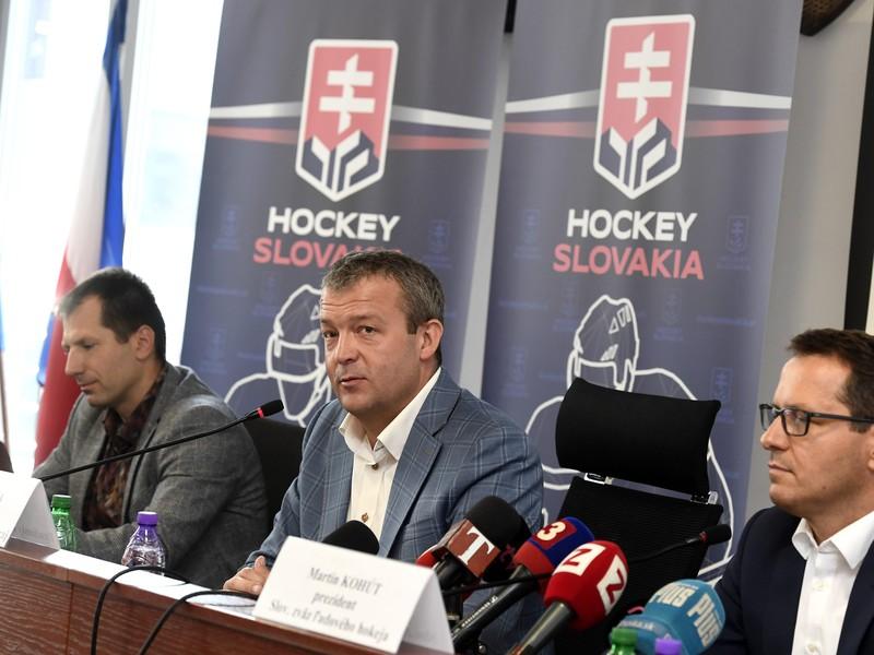 Tlačová konferencia Slovenského zväzu ľadového hokeja (SZĽH) a Trenčianskeho samosprávneho kraja (TSK) na tému rozvojový projekt vzorového Hokejového Regiónu Trenčín.