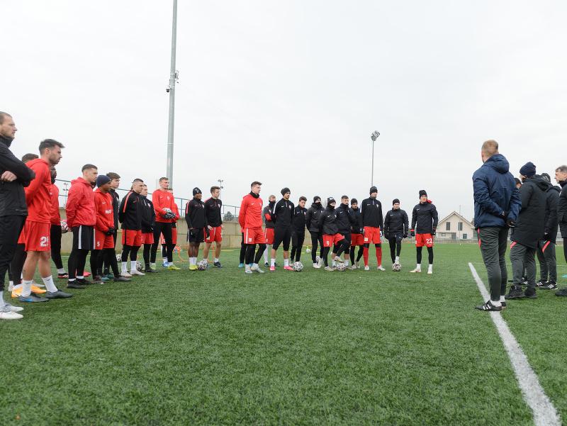 Futbalisti ŠKF Sereď počas prvého tréningu v rámci zimnej prípravy na jarnú časť Fortuna ligy