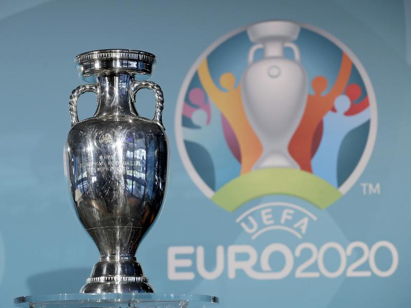 Trofej pre víťaza Európskeho šampionátu