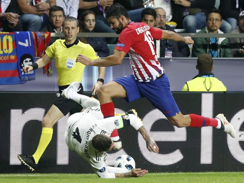 Sergio Ramos a Diego Costa v súboji
