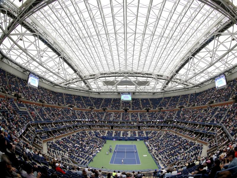 Centrálny dvorec Arthur Ashe Stadium v New Yorku