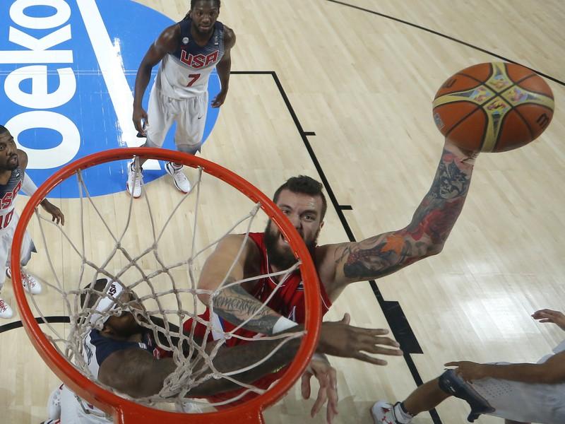 Finálový zápas MS v Španielsku zaobstarali basketbalisti Srbska a USA