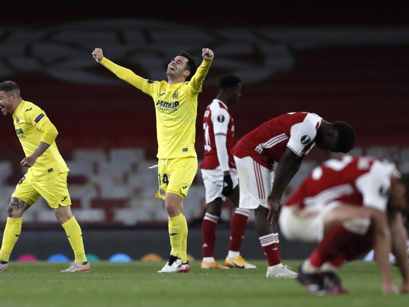 Hráči Villarreal oslavujú postup do finále Európskej ligy na úkor Arsenalu