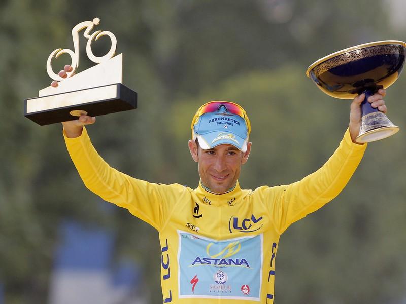 Talian Vincenzo Nibali sa triumfom na Tour zapísal do histórie