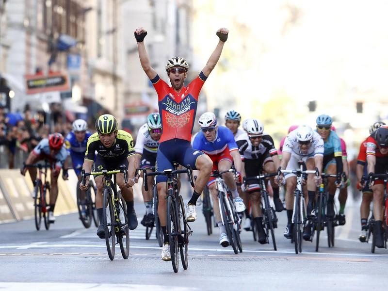 Vincenzo Nibali sa raduje z triumfu