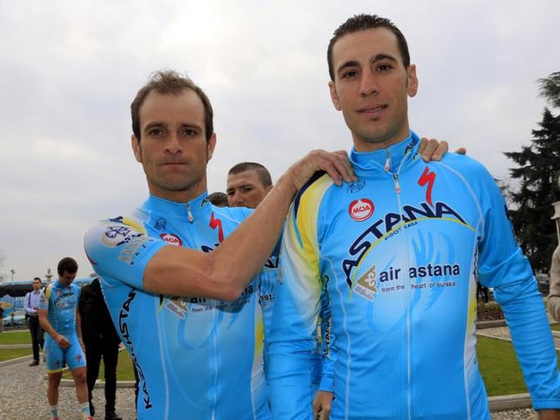 Nebohý Michele Scarponi a Vincenzo Nibali