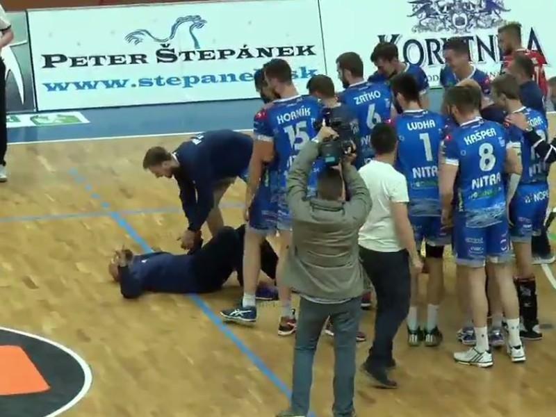 Pri víťazných oslavách skolaboval tréner Marek Kardoš