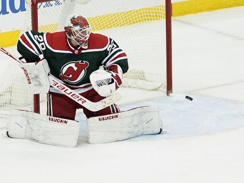 Brankár New Jersey Devils nestačil na strelu Orlova pred koncom predĺženia