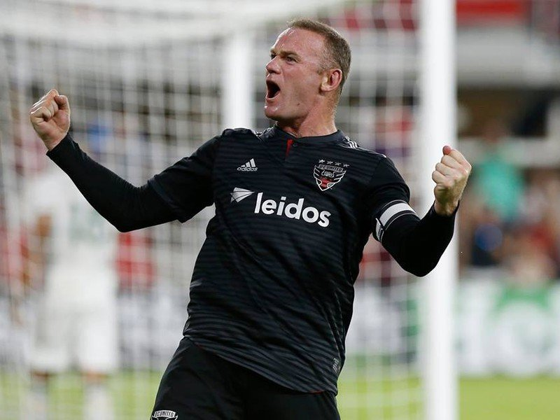 Wayne Rooney sa raduje z gólu