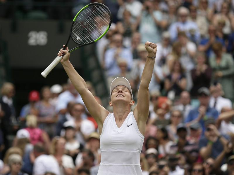 Simona Halepová sa raduje z postupu do semifinále Wimbledonu
