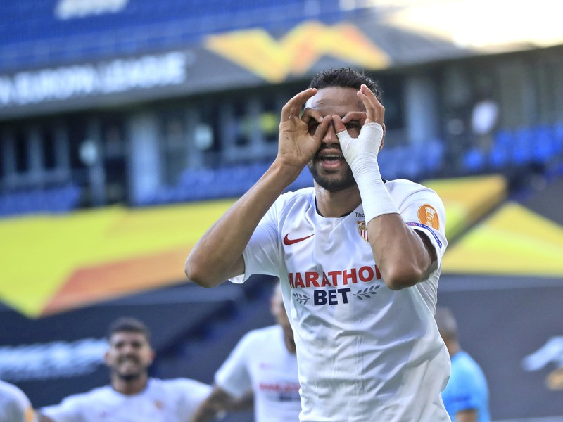 Futbalista FC Sevilla Youssef En-Nesyri sa teší po strelení gólu