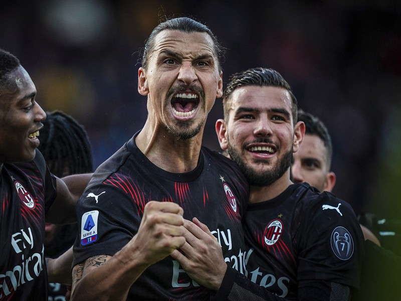 Zlatan Ibrahimovič sa teší po strelení gólu