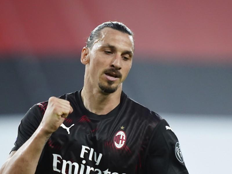 Na snímke švédsky útočník Milána Zlatan Ibrahimovič