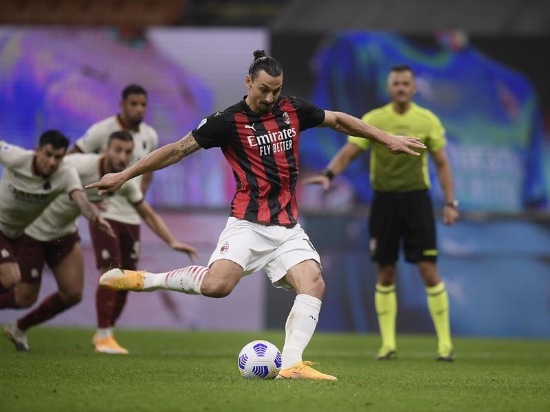 Zlatan Ibrahimovič premieňa pokutový kop