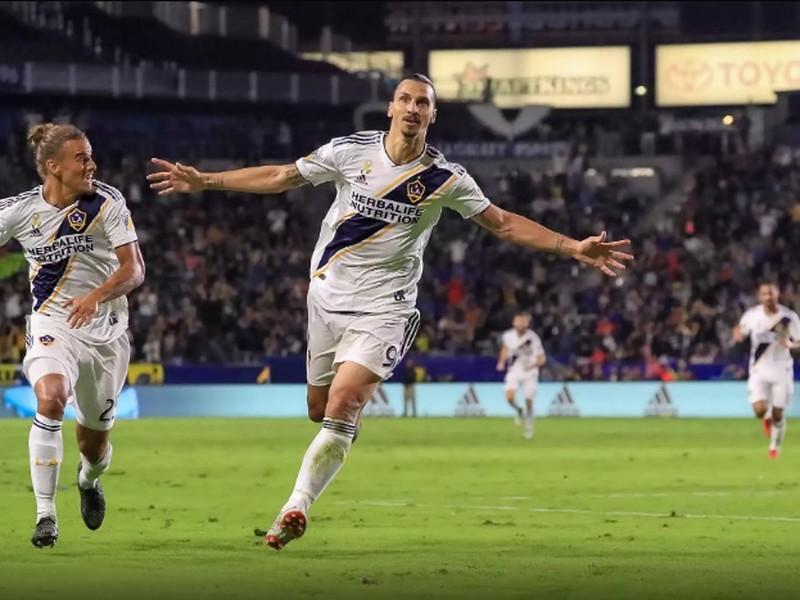 Zlatan Ibrahimovič strelil už 20 gólov v MLS, do siete Vancouveru pridal ďalšie dva