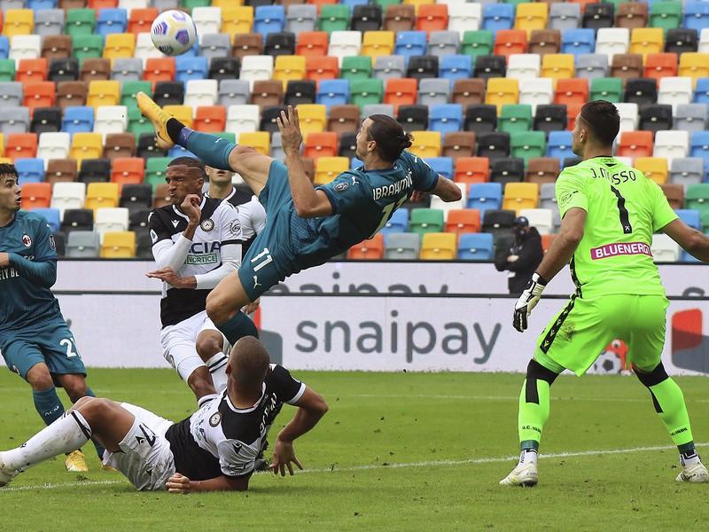 Zlatan Ibrahimovič zariadil triumf AC peknými nožničkami