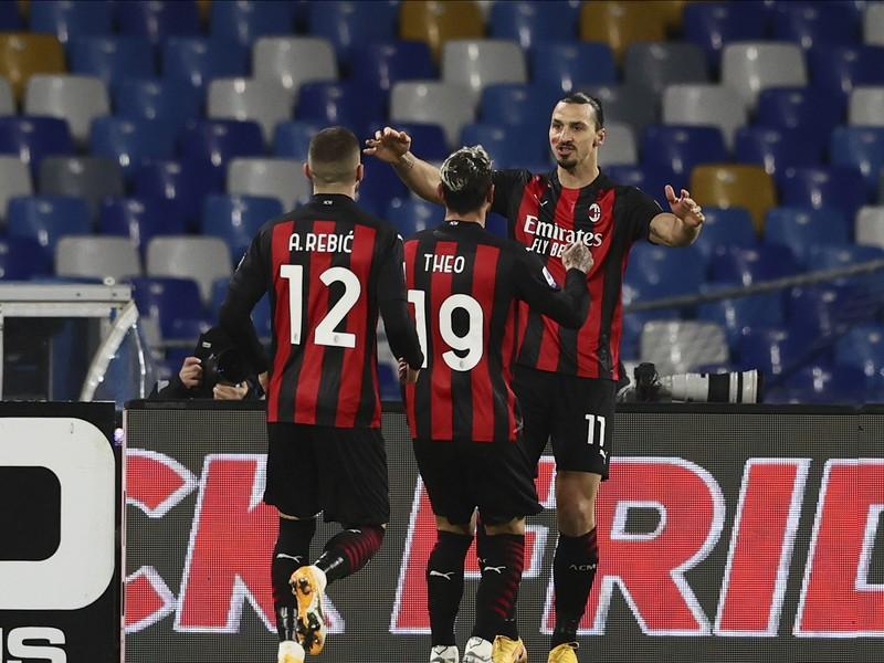 Zlatan Ibrahimovič a jeho gólové oslavy so spoluhráčmi