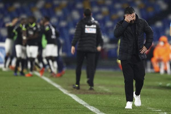 Sklamaný tréner Neapola Gennaro