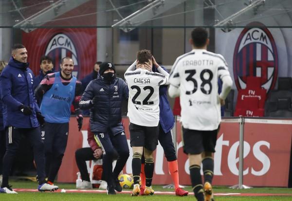 Federico Chiesa oslavuje gól