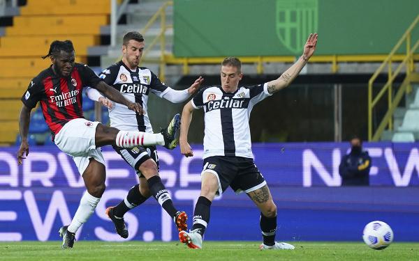 Franck Kessie strieľa gól