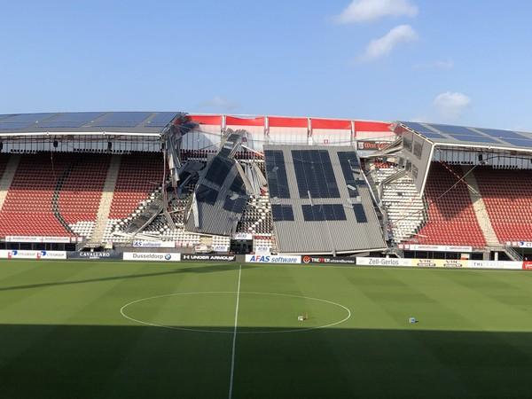 Zrútená tribúna štadiónu Alkmaaru
