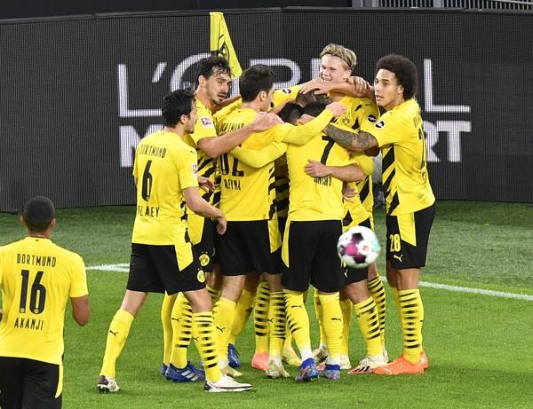 Futbalisti Borussie Dortmund sa