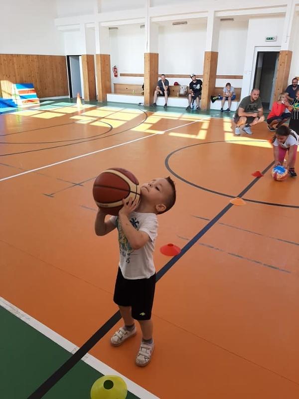 Seneckým basketbalistom pomôže grant