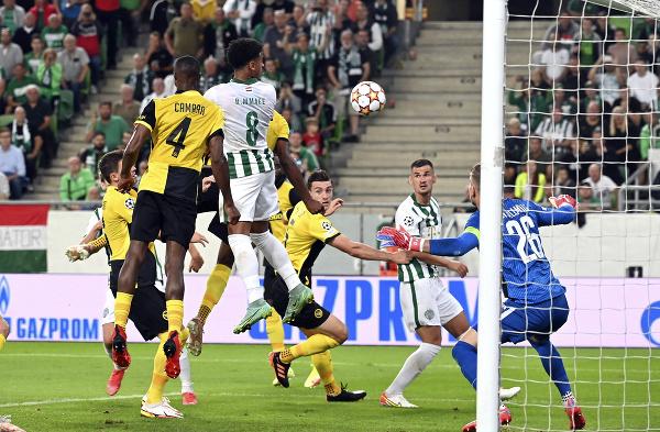 Ryan Mmaee strieľa gól
