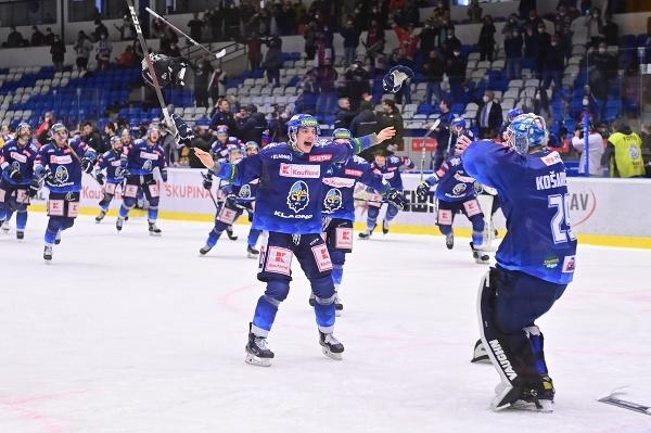 Andrej Košarišťan so spoluhráčmi