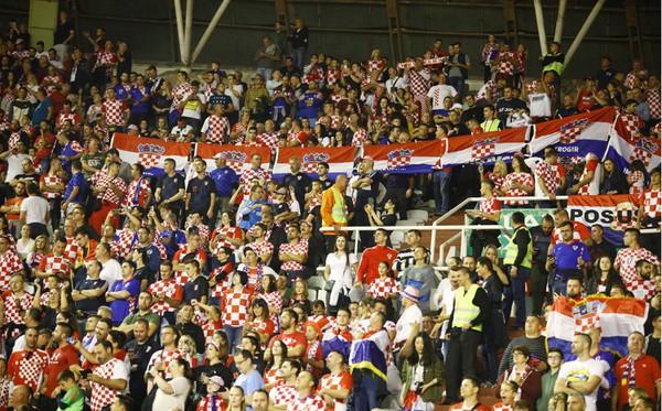 Chorvátski fanúšikovia v zápase