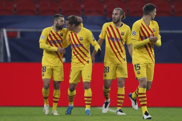 Radosť hráčov FC Barcelona