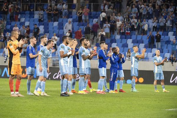 Hráči Slovana ďakujú za