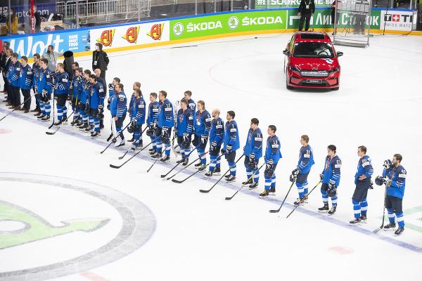 Sklamaní hokejisti Fínska po